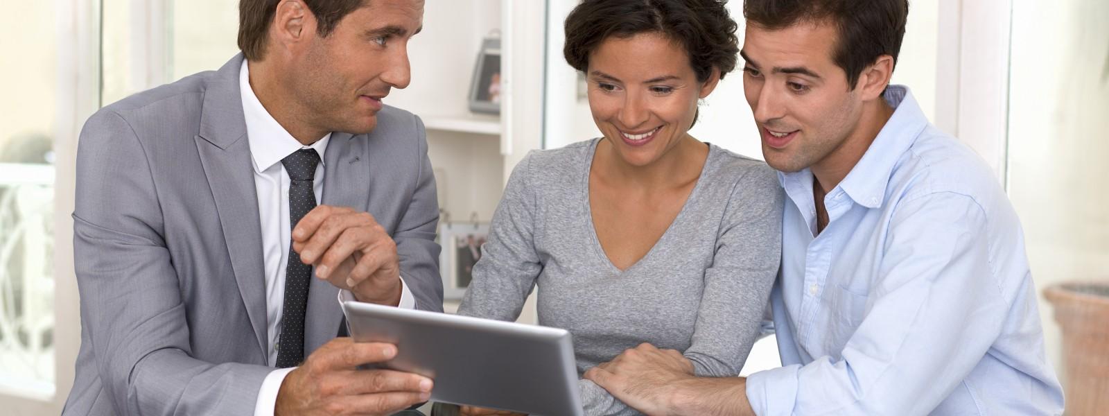 e deal crm la relation client des banques et des assurances. Black Bedroom Furniture Sets. Home Design Ideas