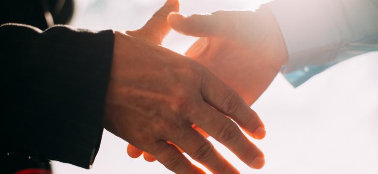 confiance-client-mains